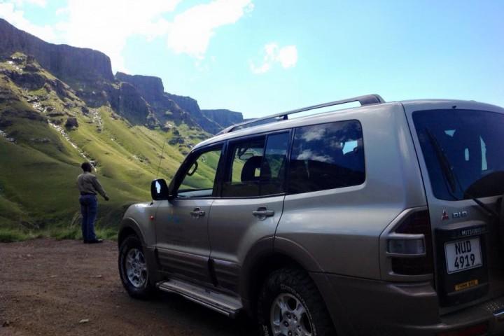 Pajero - Luxury 4x4 Sani Pass Day Trip